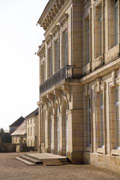 architecture-du-chateau-2-photo-jj-perrot-systeme-noir